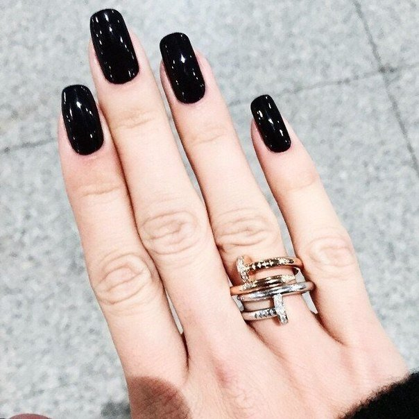 Фото ногтей черный с
