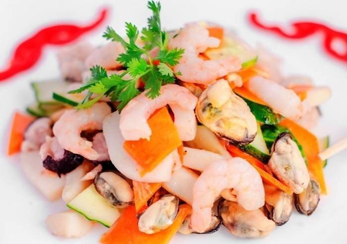 Рецепты салата морским коктейлем