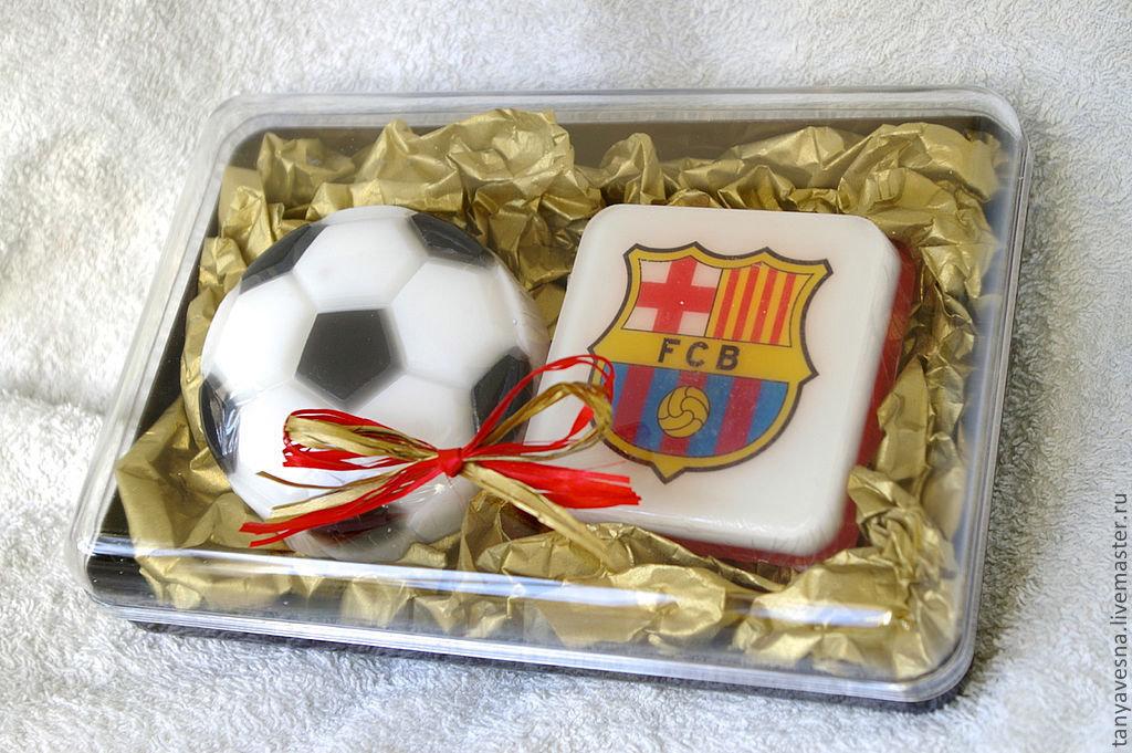 Подарок на день рождение футболисту 92