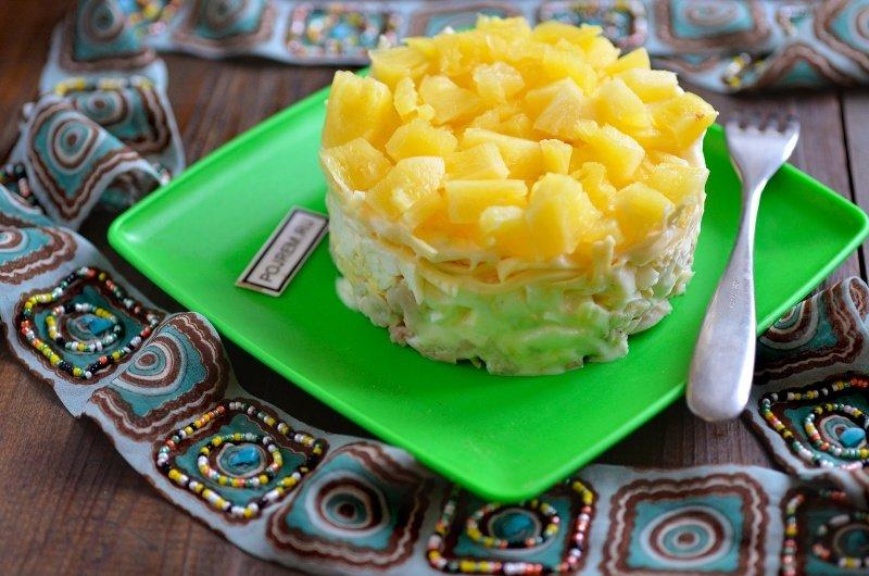 Салат каприз с ананасом рецепт