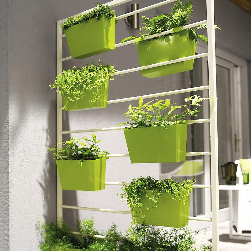 Мини балкон для цветов.