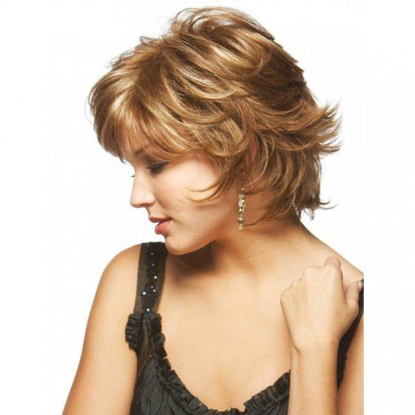 Короткий каскад стрижка волос