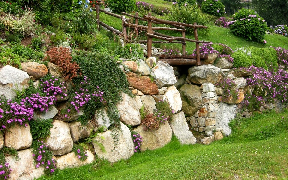 Ландшафтный дизайн камнями валунами