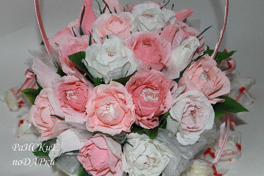 Цветы из конфет и гофрированной бумаги своими руками пошаговое фото