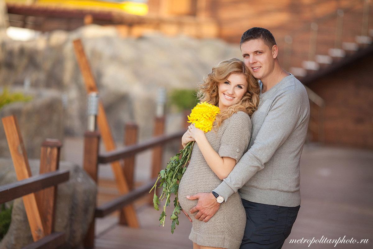 Фотосессии беременных с мужем фото идеи в студии