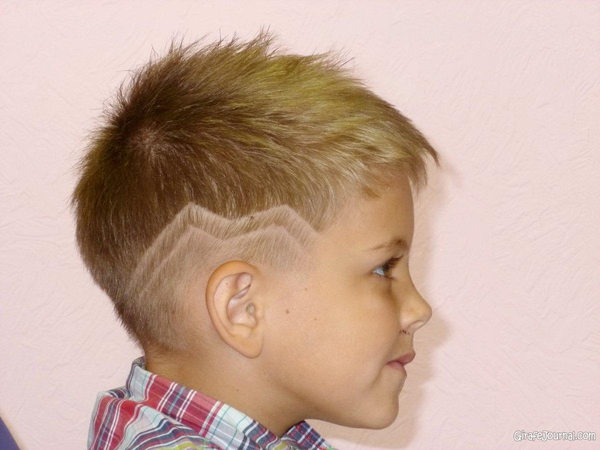 Стрижка мальчику с полосками