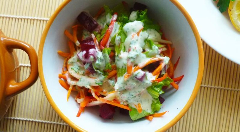 Салат и кабачков и моркови на зимуы