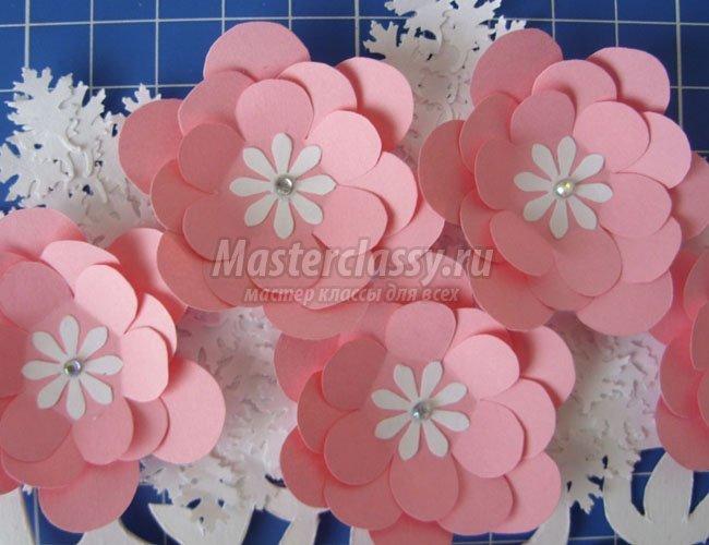 Цветы из бумаги на стену своими руками - 20 необычных и стильных рукодельных украшений на стену - карточка от пользователя natal