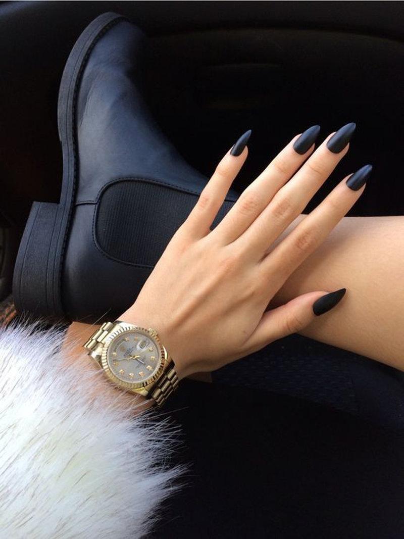Маникюр черно золотой на длинные ногти