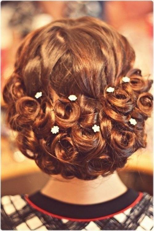Праздничные причёски для средних волос