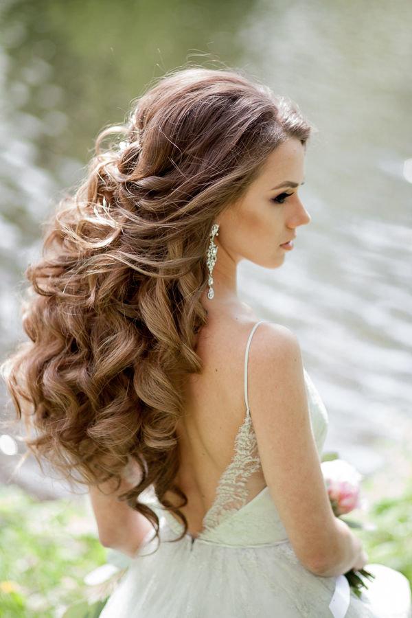Модные стрижки 2017-2018 на длинные волосы для круглого лица