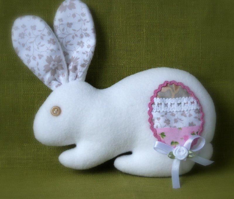 Пасхальный кролик своими руками из ткани