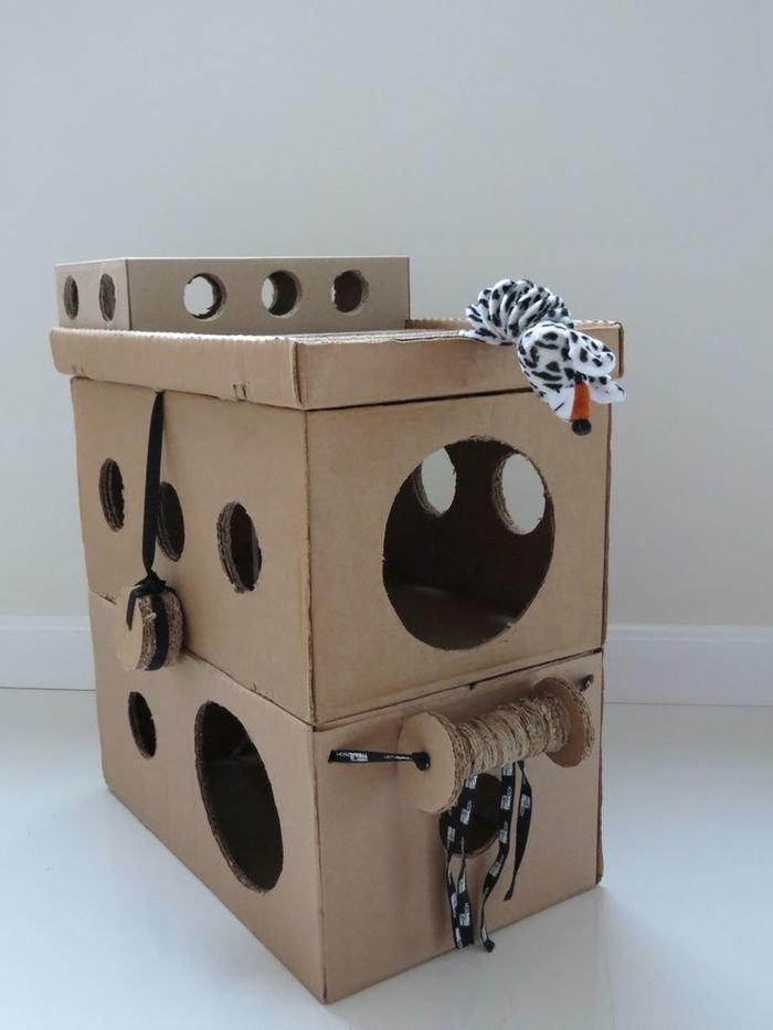 Дом для котов из коробки