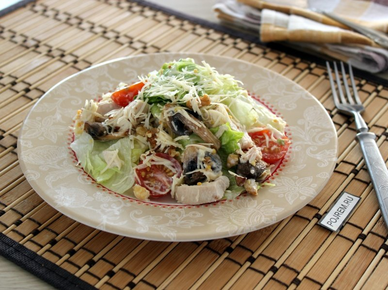 Салат из куриной грудки в домашних условиях