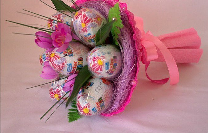 Подарок из конфет своими руками для девочек фото 21