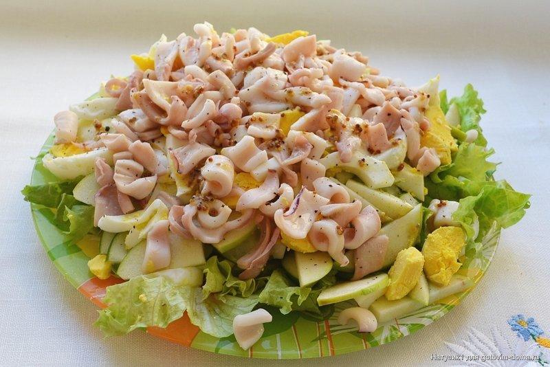 Новый салат с кальмарами