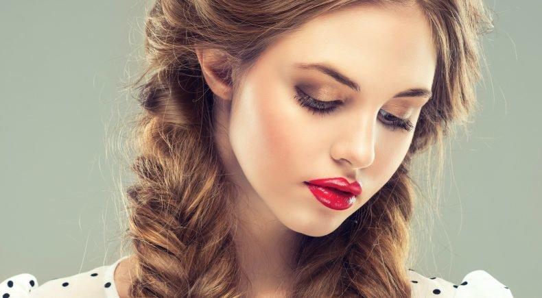 Как девушкам с русыми волосами макияж