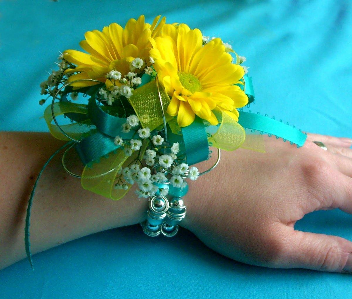 Браслеты из живых цветов на руку своими руками три свадебных. Букетио 19