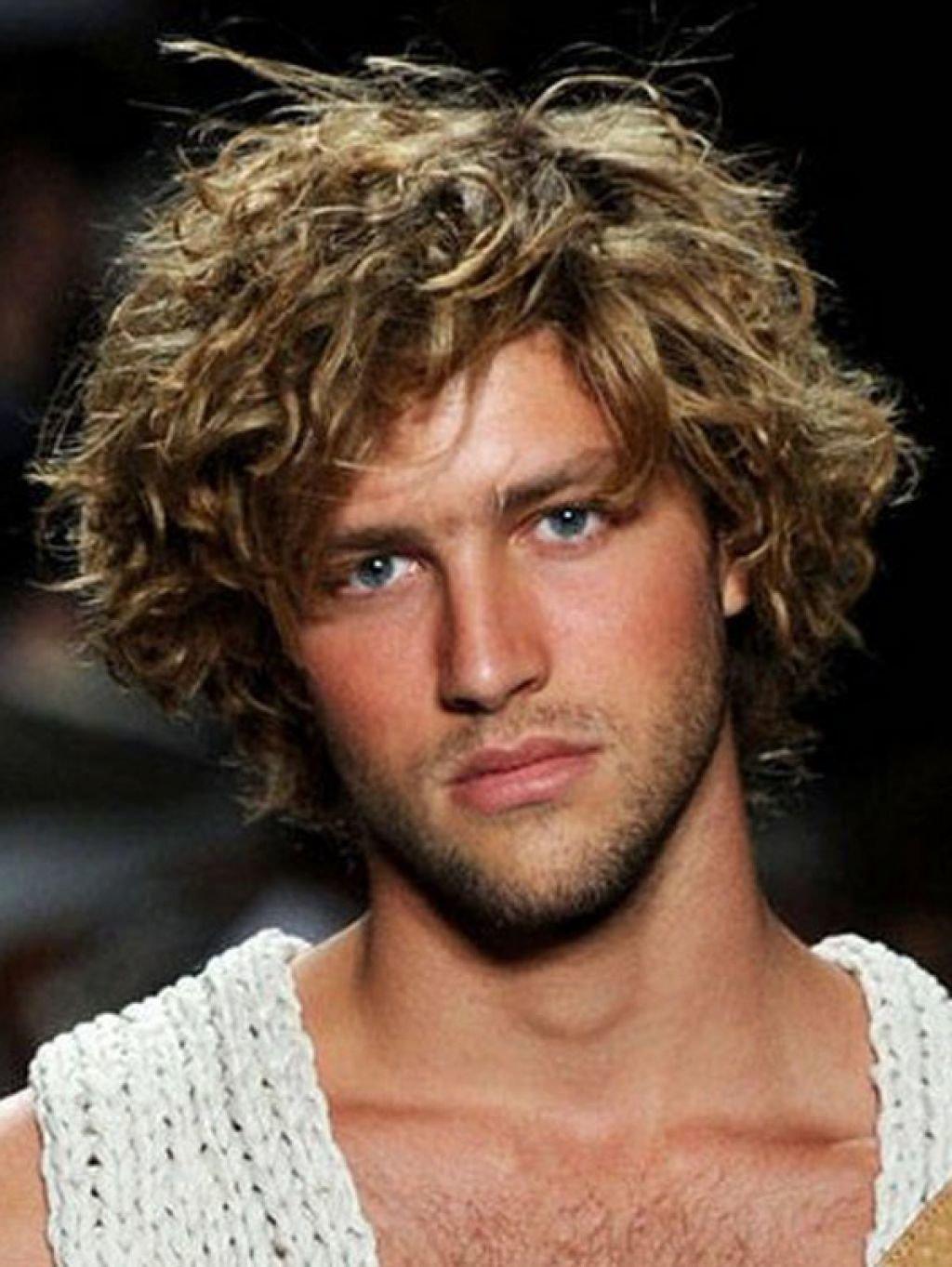 Как завить волосы мужчине - wikiHow 30