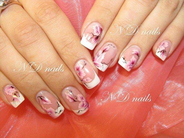 Рисунки на ногтях с сакурой