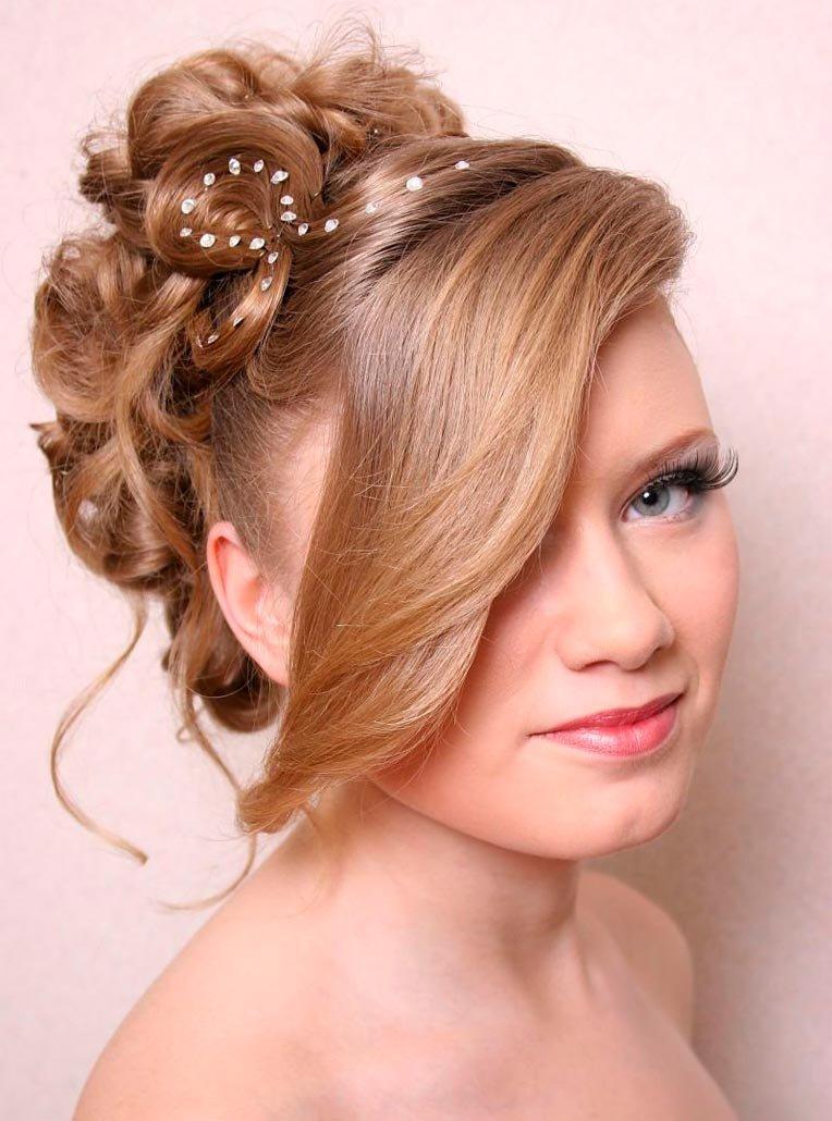 Простые причёски на средние волосы с чёлкой на торжество