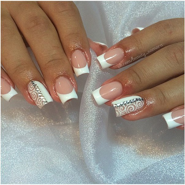 Дизайн ногтей френч белый с рисунком