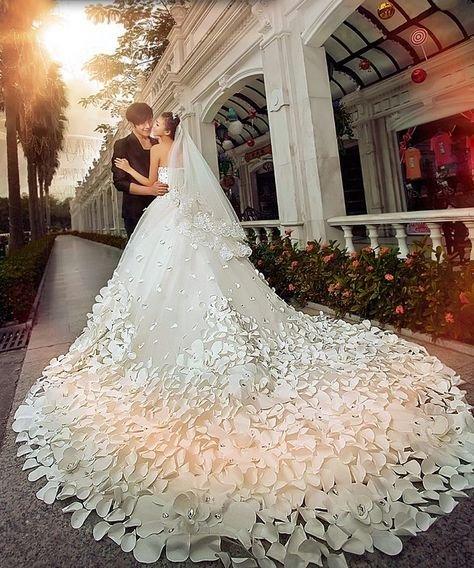 Фото самых красивых в мире свадебных платьев