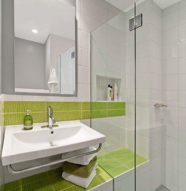 Дизайн плитки у маленьких ваннах