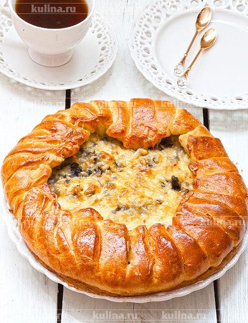 Дрожжевой пирог с грибами