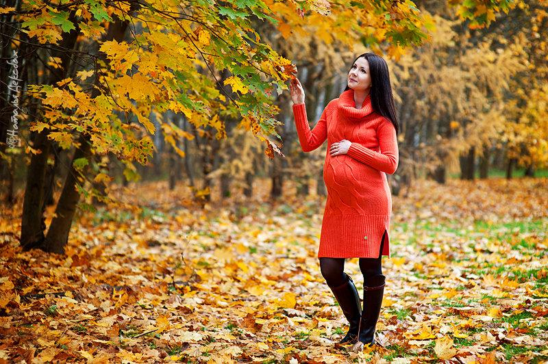 Беременная фотосессия на улице осенью 49
