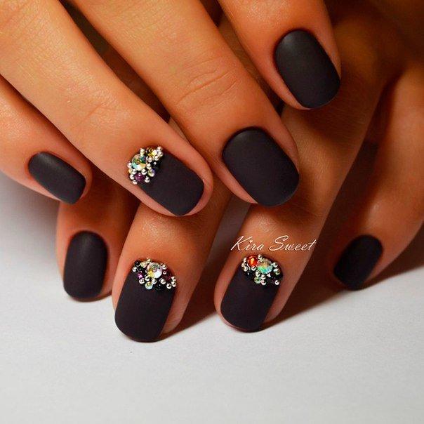 Маникюр на короткие ногти шеллак дизайн темные