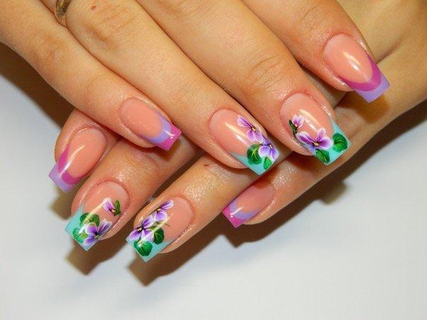 Ногти гелевые с рисунком цветов