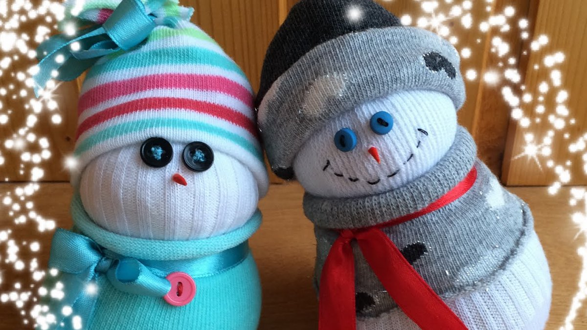 Снеговик из своими руками из носков 34