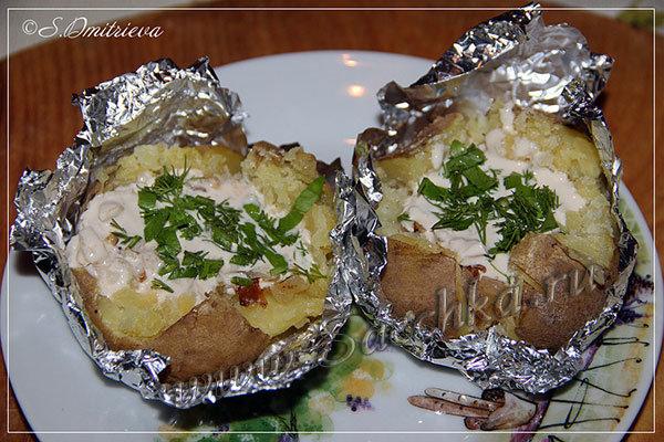 Рецепты картофеля запечённого в фольге в духовке рецепт с пошагово