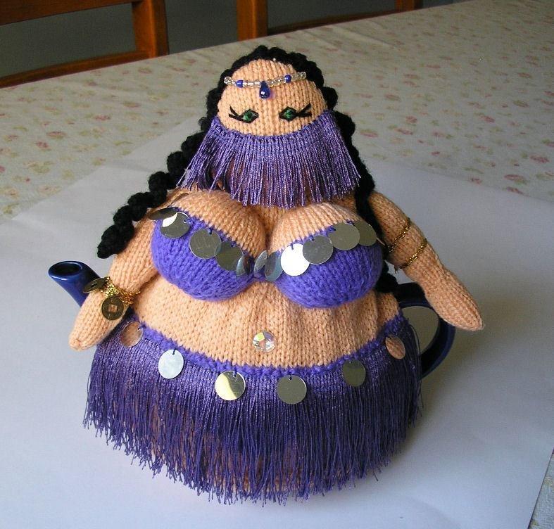 Вязаная кукла грелка на чайник своими руками 42
