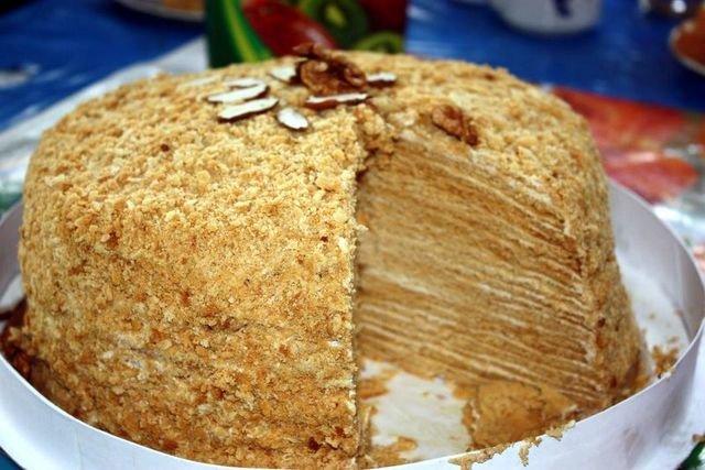 Блинный торт со сметаной рецепт с пошагово в домашних