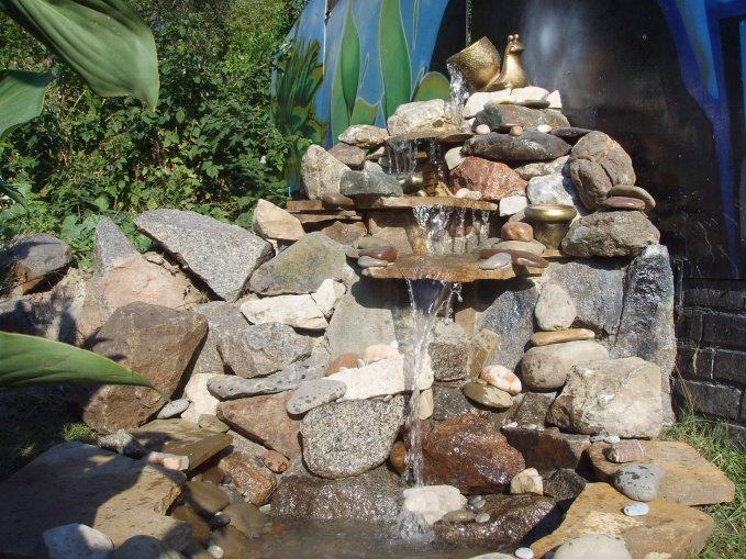 Водопады из камней своими руками