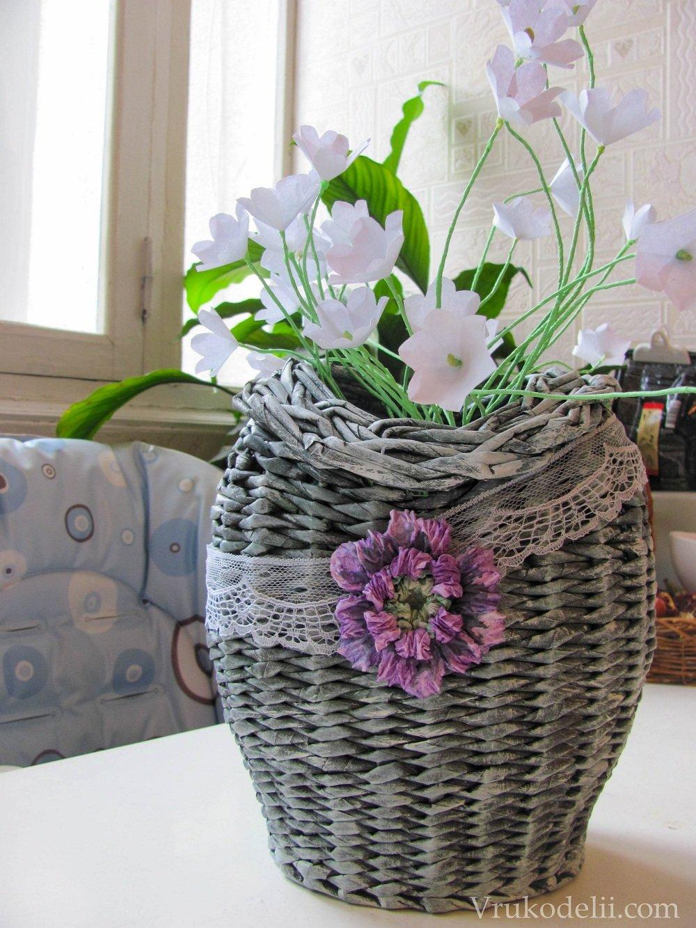 Корзины для цветов из газетных трубочек фото