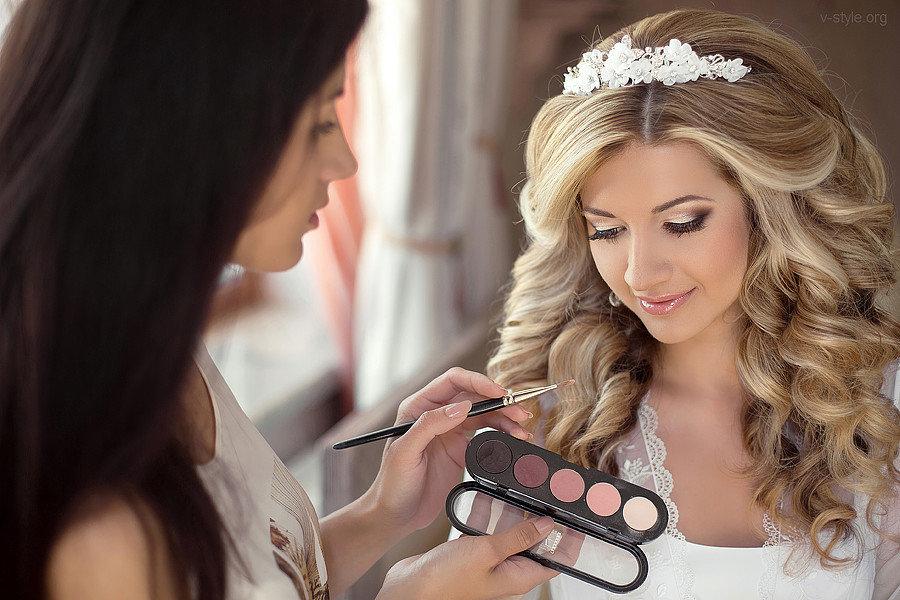 Свадебные прически и макияж на 74