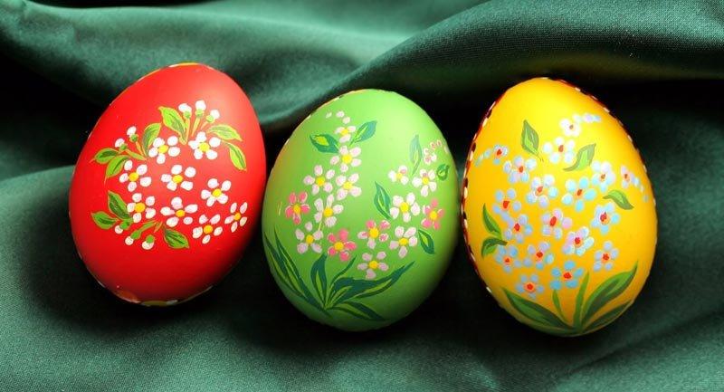 Чем раскрасить пасхальные яйца своими руками