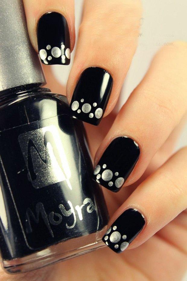 Рисунки на ногтях в черно белых тонах
