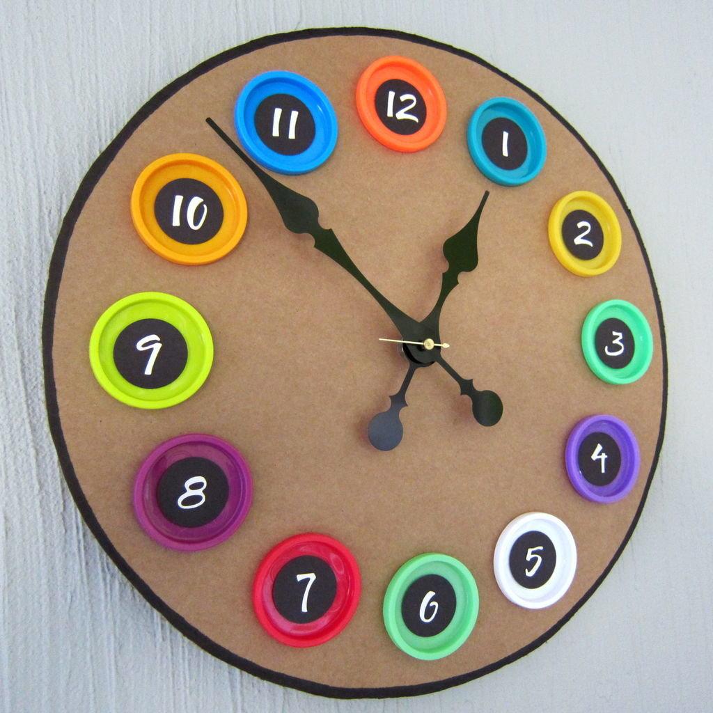 60 Чудесных примеров настенных часов, которые вы захотите 5