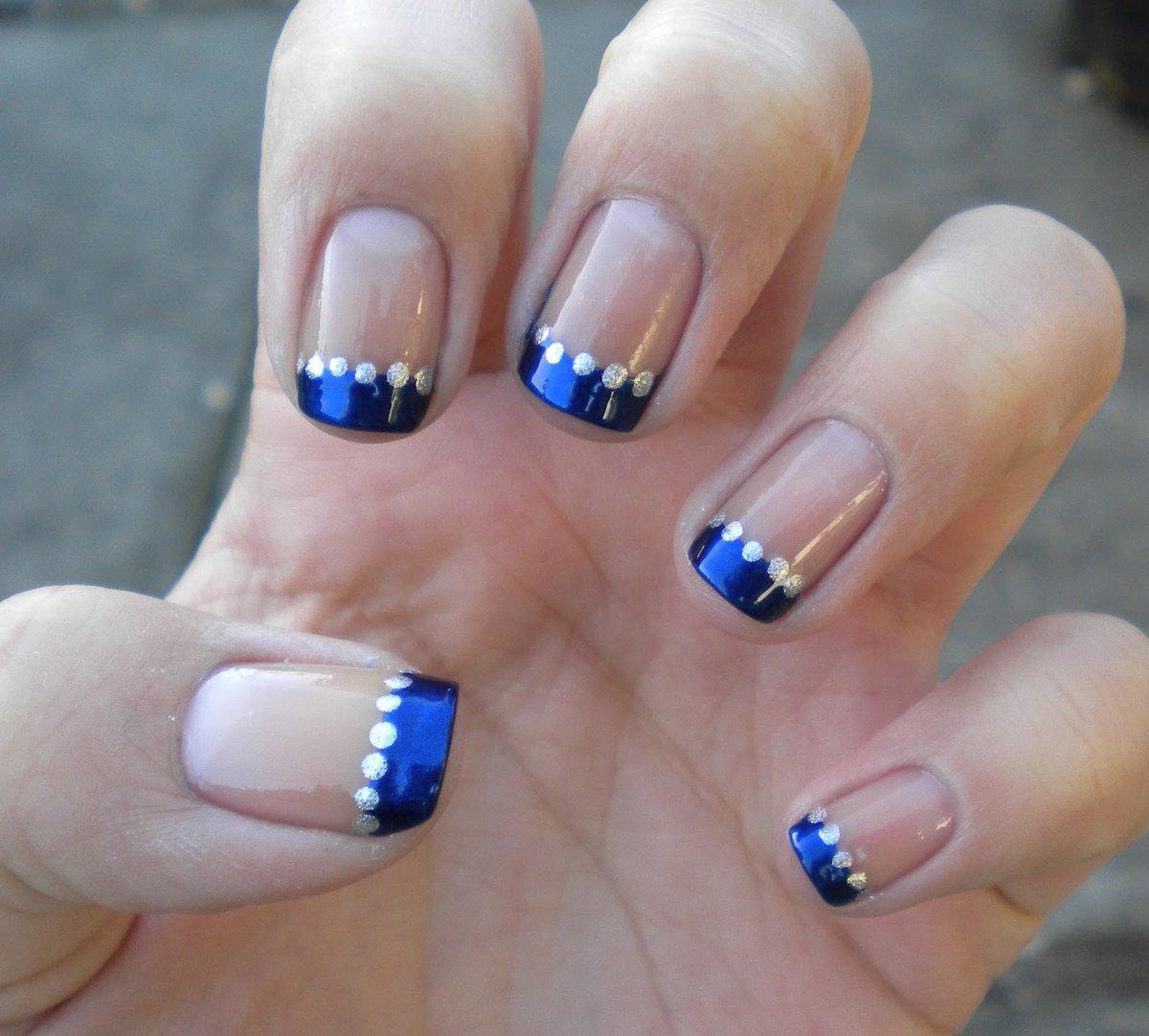 Дизайны ногтей с синим цветом