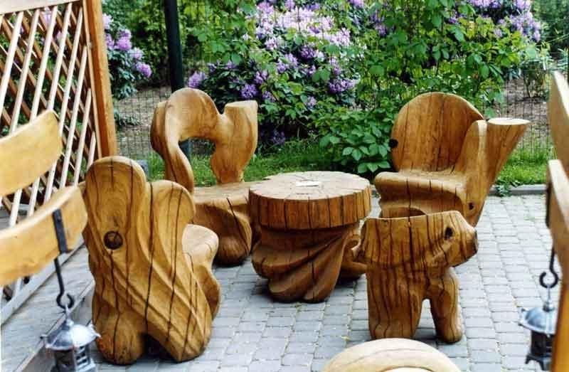 Стол и стулья из бревна 136