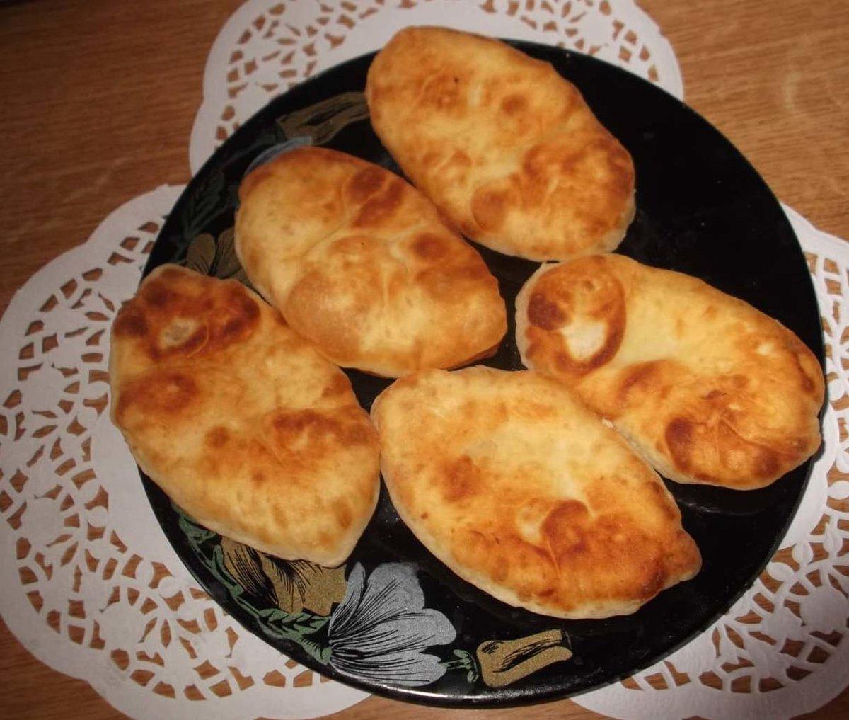 Как готовить пирожки с картошкой на сковороде рецепт