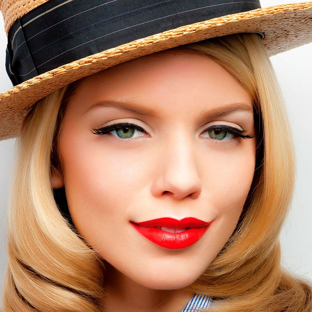 Дневной макияж для блондинок с зелеными глазами