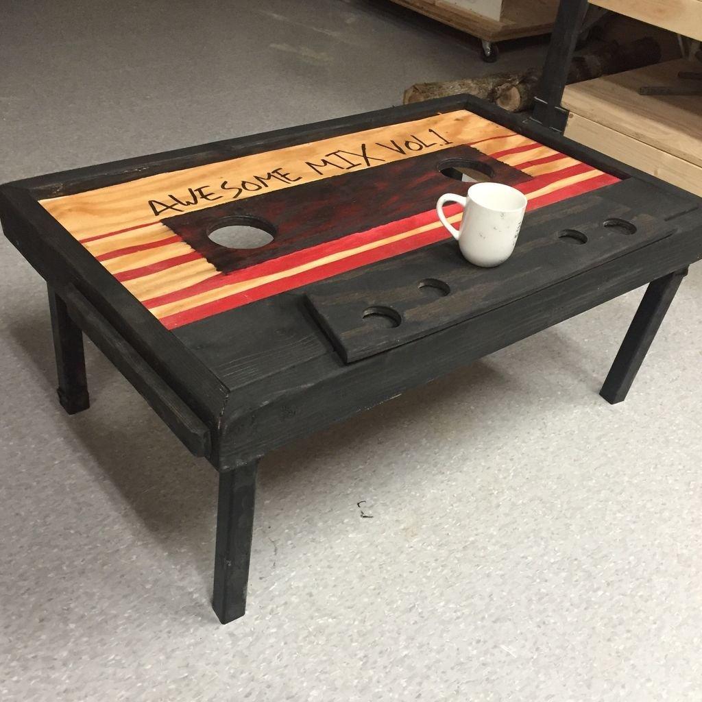 Как сделать оригинальный стол своими руками