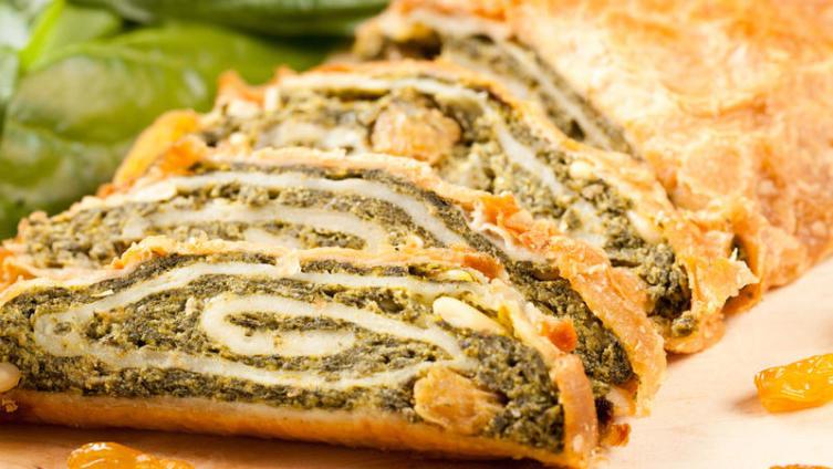 Мясной пирог из слоеного бездрожжевого теста рецепт с