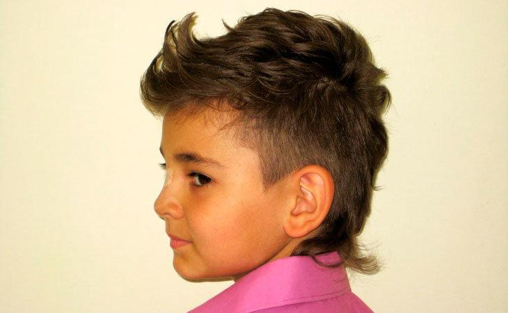 Прически для кудрявых волос у мальчиков