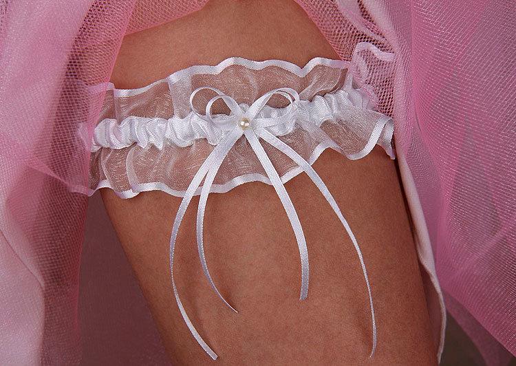 Своими руками сшить свадебную подвязку 54